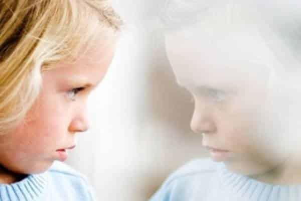 neveroqtno-opisanie-najivota-ot-8-godishno-dete-autist-evolife-bg